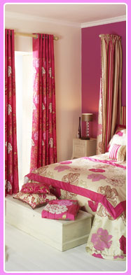Bedroom with soft furnishing and curtains